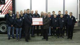 BÜRGERDIENST e.V. übergibt Spende an den Förderverein der Freiwilligen Feuerwehr Lutzerath e.V.