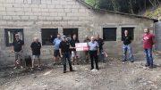Bei der Spendenübergabe durch den 4. Vorsitzender des Bürgerdienstes, Erwin Borsch waren einige Mitglieder des Angelvereins anwesend.